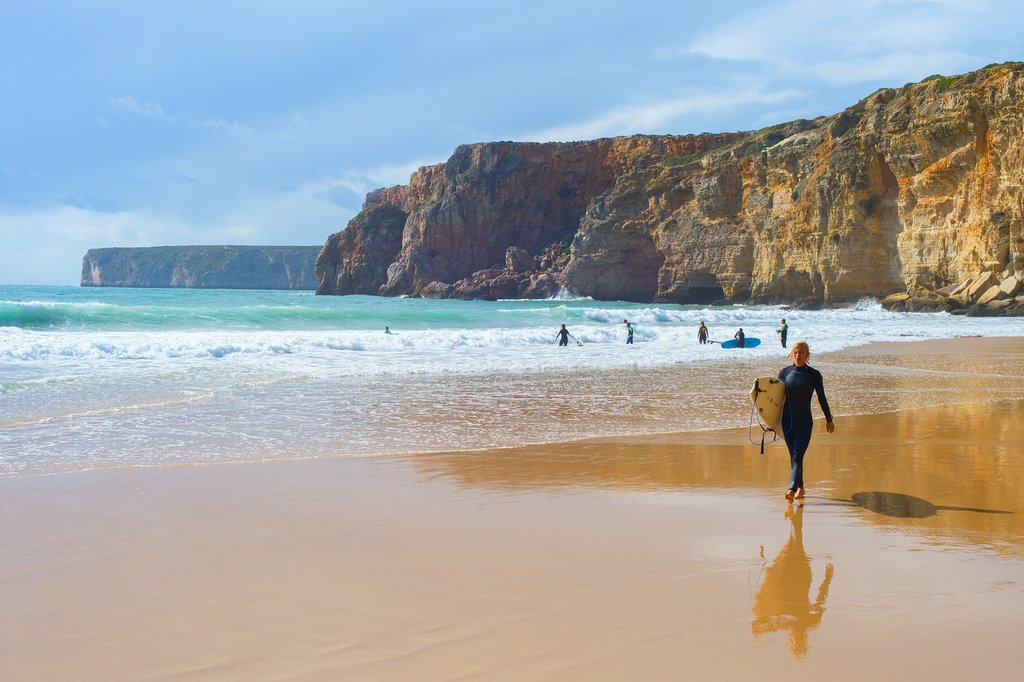 Surfs up in Sagres!