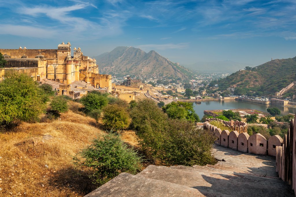 We begin our Jaipur sightseeing tour with a trip to the Amer Fort