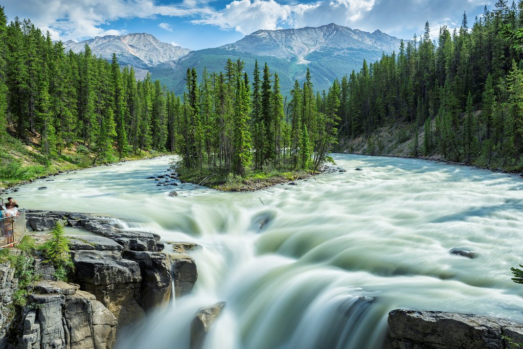 Sunwapta Falls between Lake Louise and Jasper