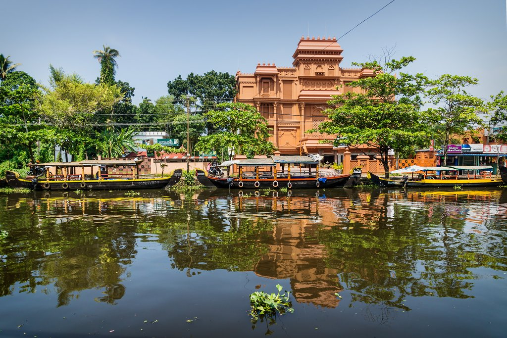 Boats along the main canal in Alappuzha