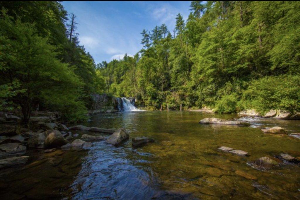 Abrams Falls, courtesy of SmokyMountains.com