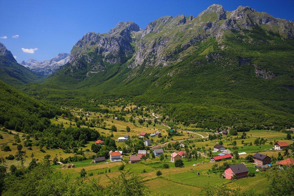 Vusanje Village and Ropojana Valley