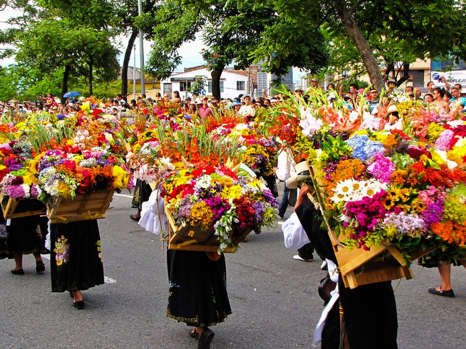 The silleteros in procession