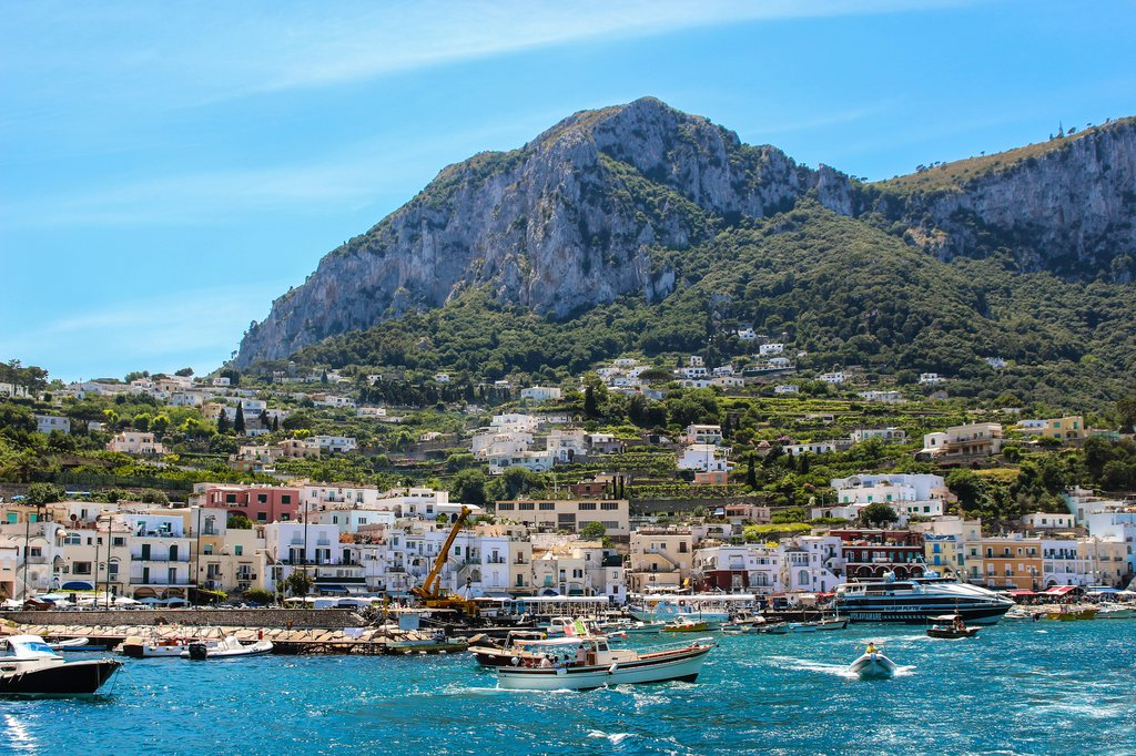 Busy port on Capri