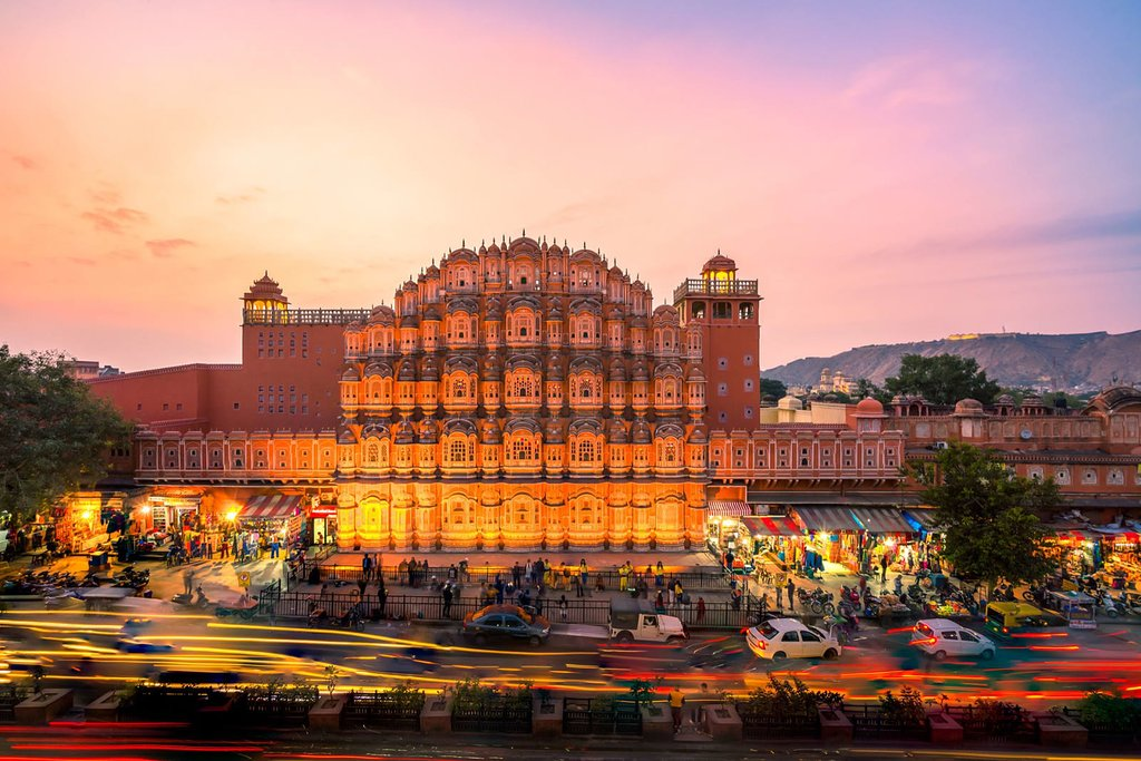 Local market at Hawa Mahal