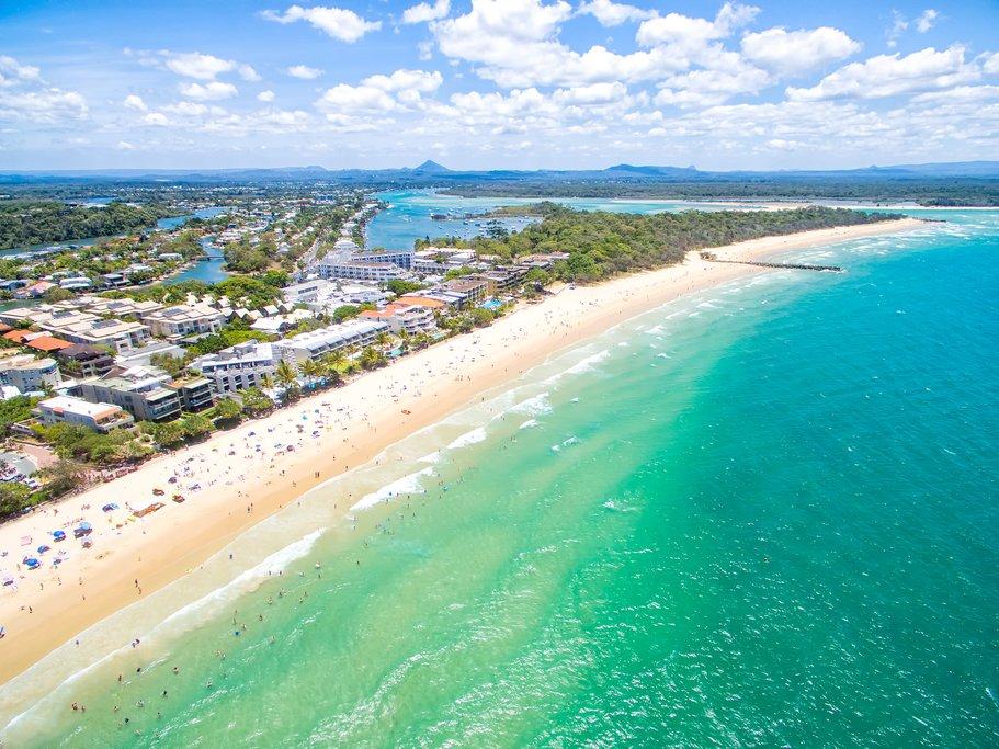 Australia - Noosa - Main beach