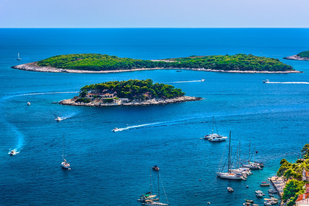Croatia - Pakleni Islands - Sail around the Pakleni archipelago