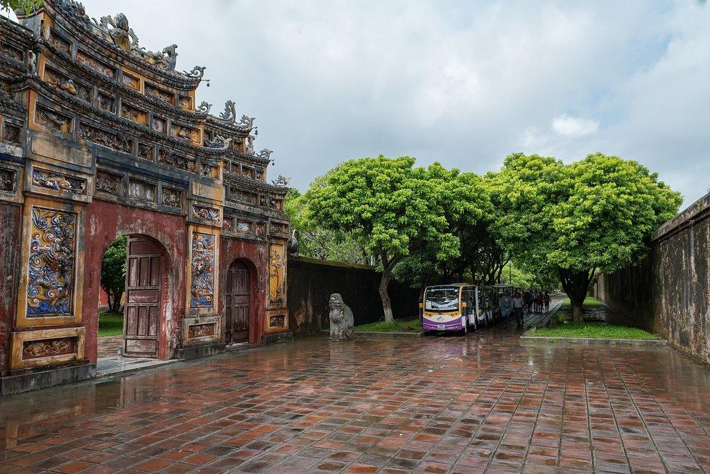 Explore Huế