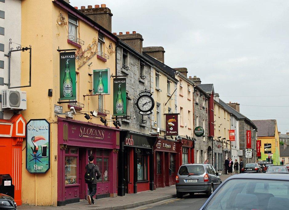 Shopping street in Castlebar