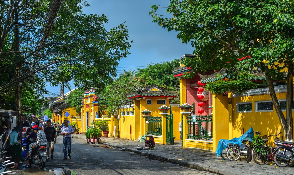 Vietname - Historic yellow buildings in Old Town Hoi An