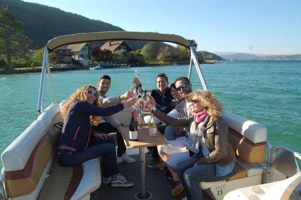 Boat tour with apéritif