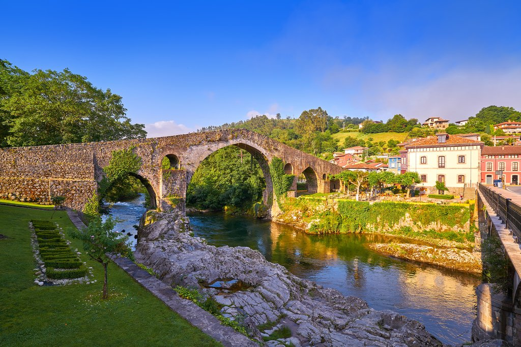 Old Roman Bridge of Cangas de Onis