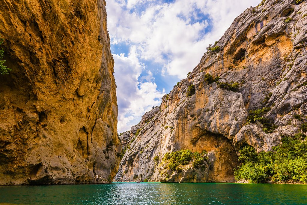 The Verdon River allows for some excellent canyoneering and water-sports activities