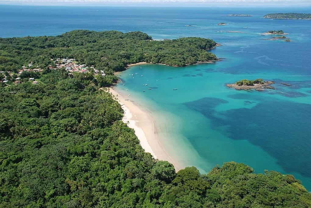 Peral islands beach