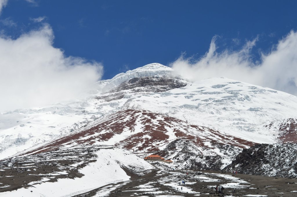 High-elevation refuge on Cotopaxi