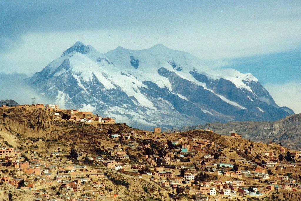 La Paz under the Andes