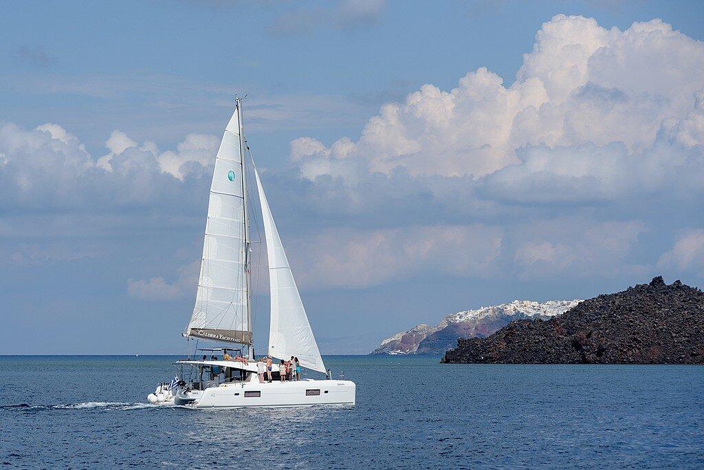 Catamaran cruise in Santorini