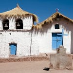 The humble chapel in the village of Machuca