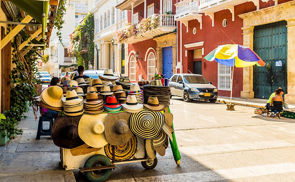 Browse the Street Vendors in Cartagena