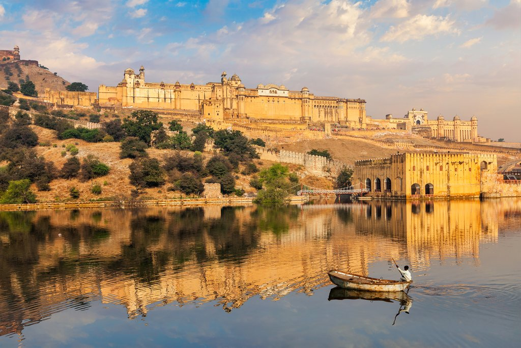 We start our sightseeing tour of Jaipur with a trip to the impressive Amer Fort
