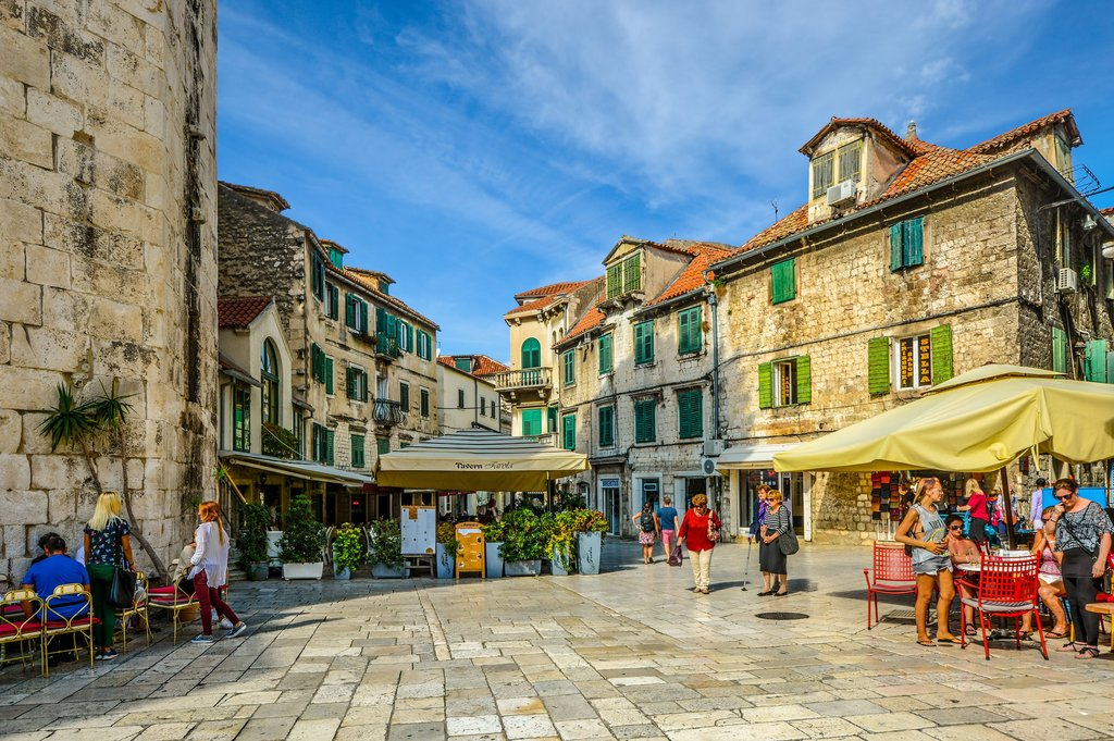 Cafés and shops near Diocletian's Palace in Old Town