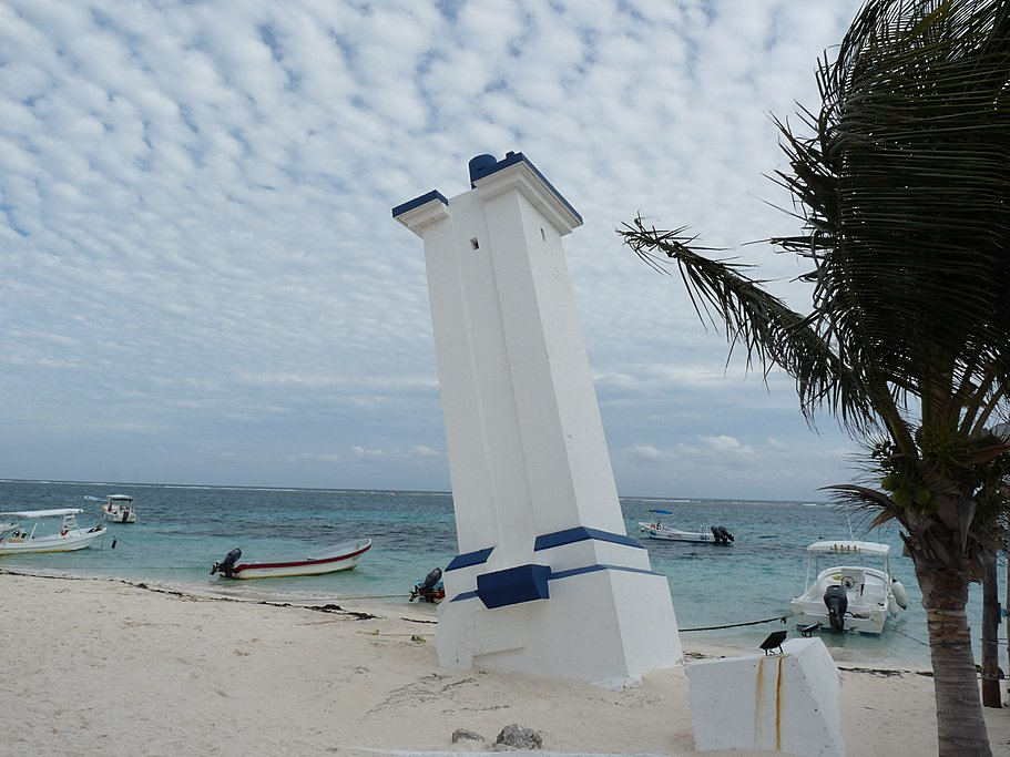 Slopped lighthouse of Puerto Morelos