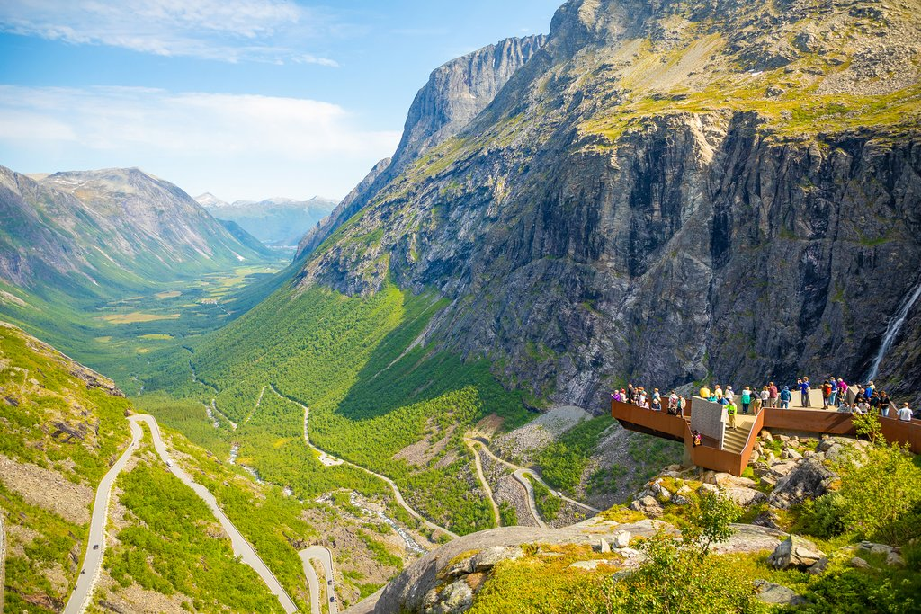Drive the Trollstigen and then stop at the viewing platform