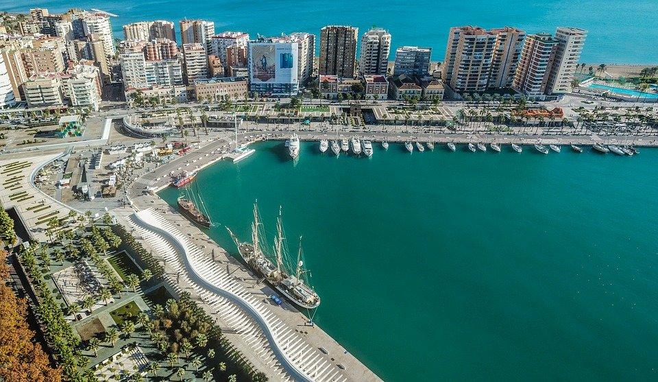 Malaga harbor (Photo courtesy of MaxPixel)