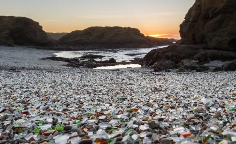 Glass Beach Fort Bragg (Photo courtesy of californiabeaches.com)