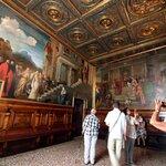Inside Venice Accademia - © José Luiz Bernardes Ribeiro / CC BY-SA 4.0