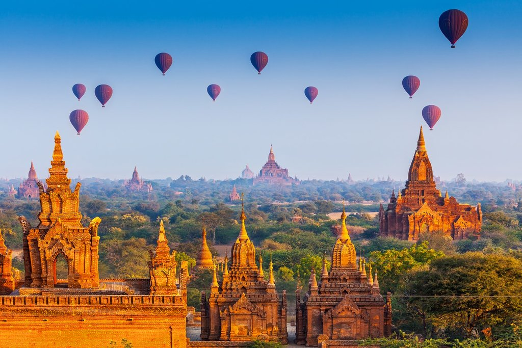 Bagan's hot air balloons