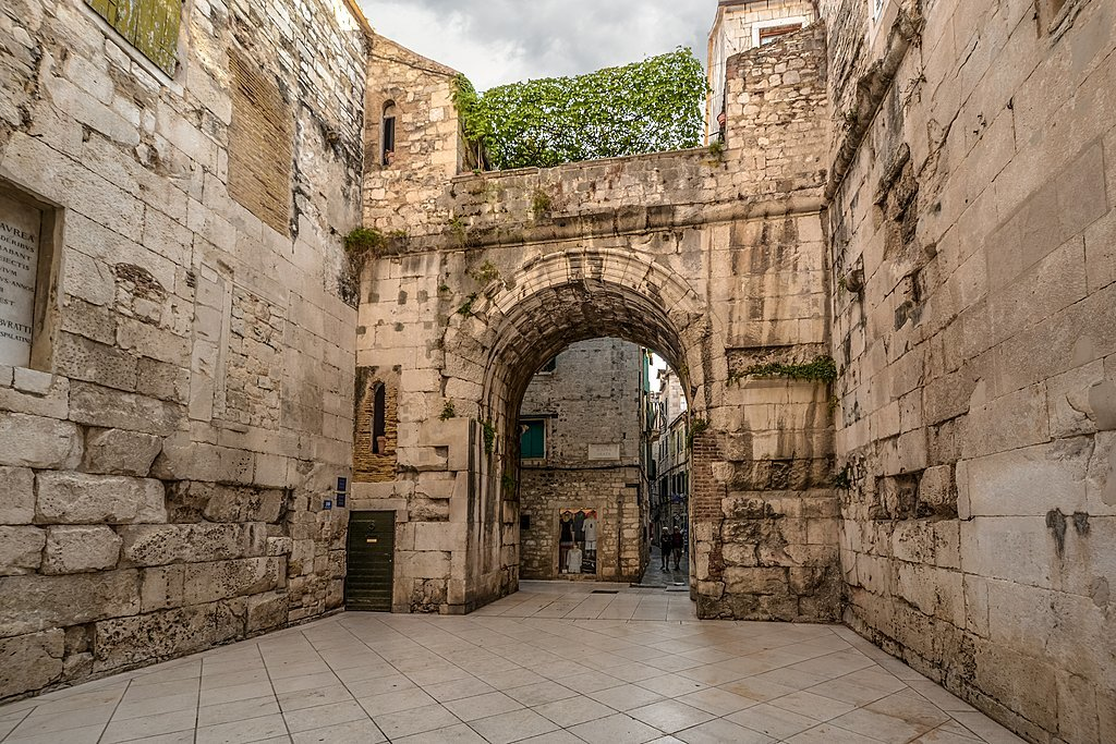 Wander Split and discover its ancient buildings