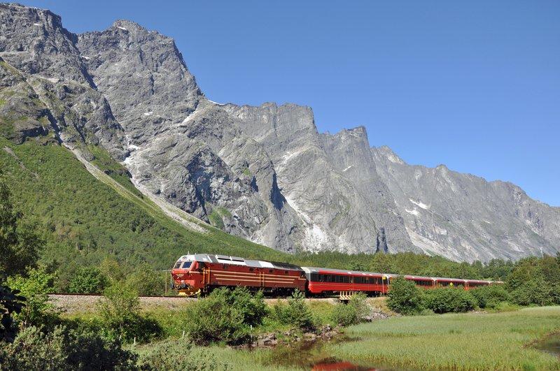 Enjoy the train journey to Åndalsnes!