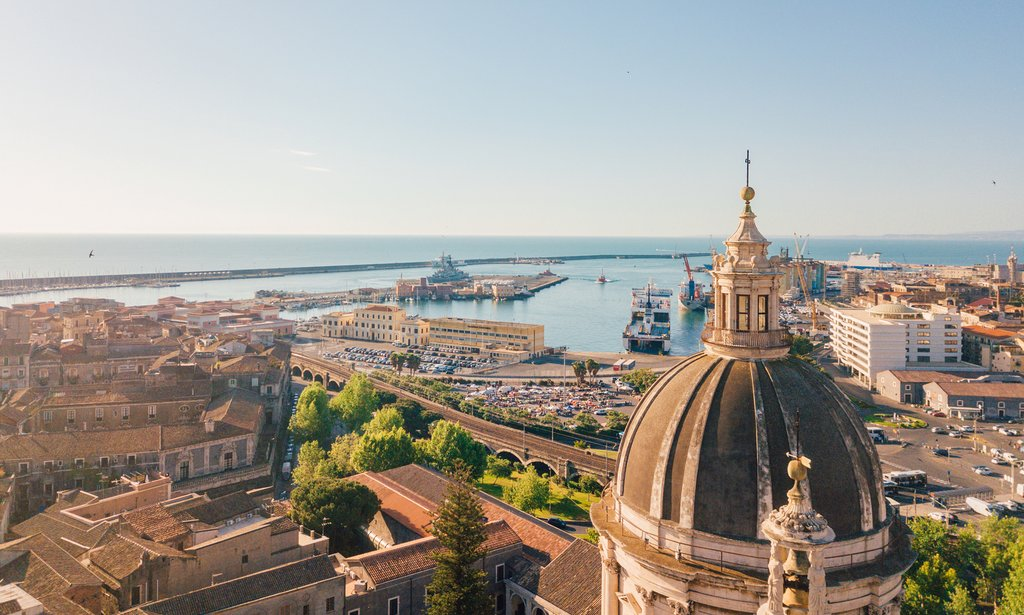 How to Get from Taormina to Catania