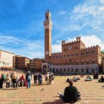 Torre del Magnia in Piazza Campo