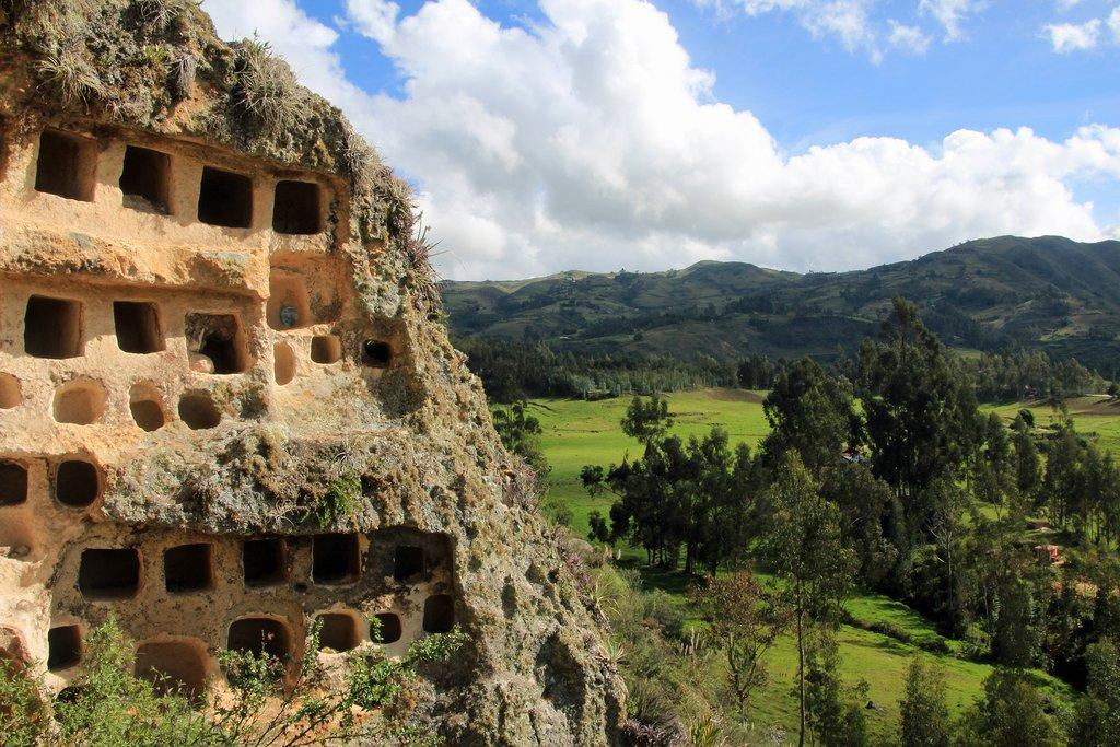 Ventanillas de Combaya—a pre-Incan cemetery
