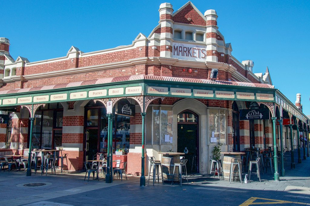 This afternoon, visit the historic port town of Fremantle