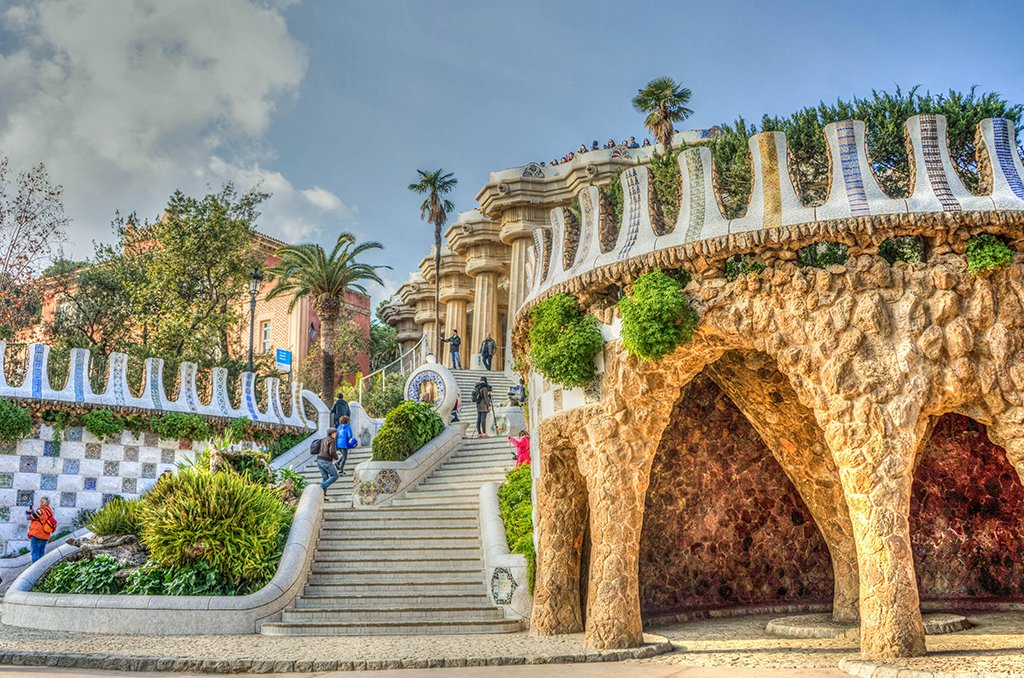 The whimsical entrance to the Park Güell.