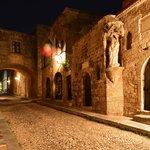 Old Town Rhodes Evening Walk & Dinner