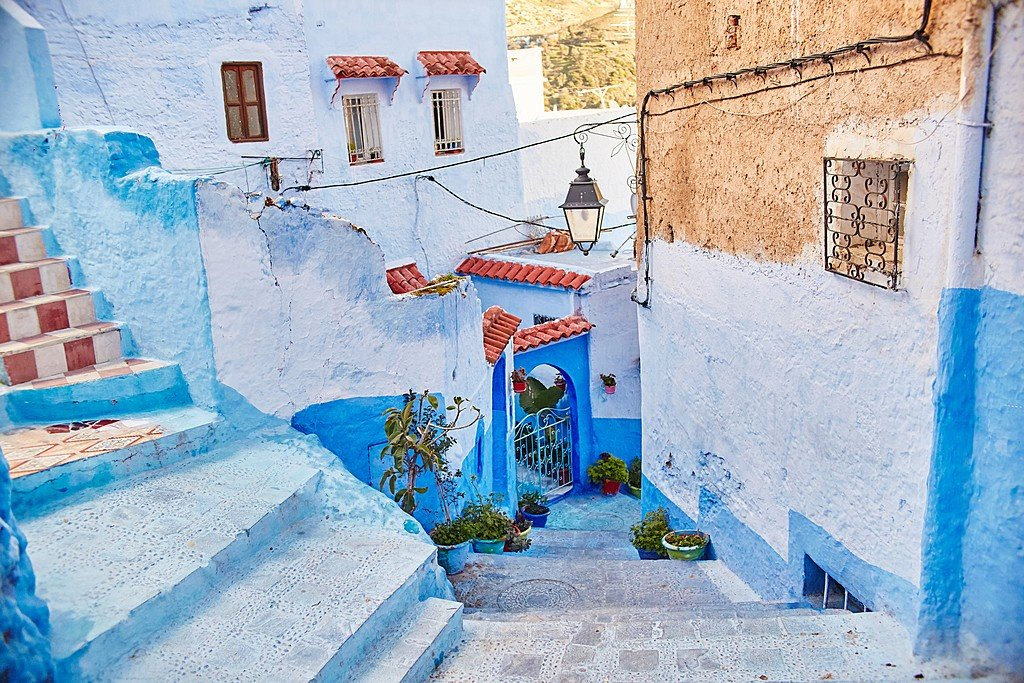 The winding blue streets of Chefchaouen