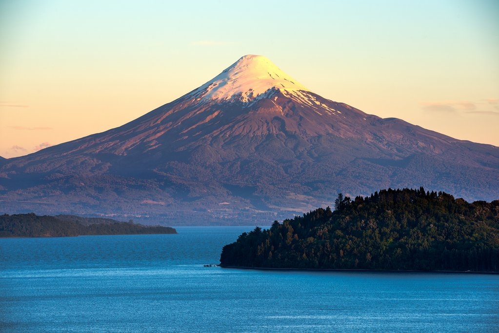 Lago Llanquihue and Volcano Osorno