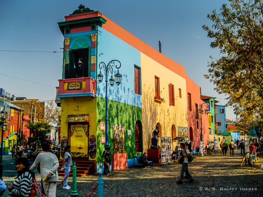 The vibrant neighborhood of La Boca