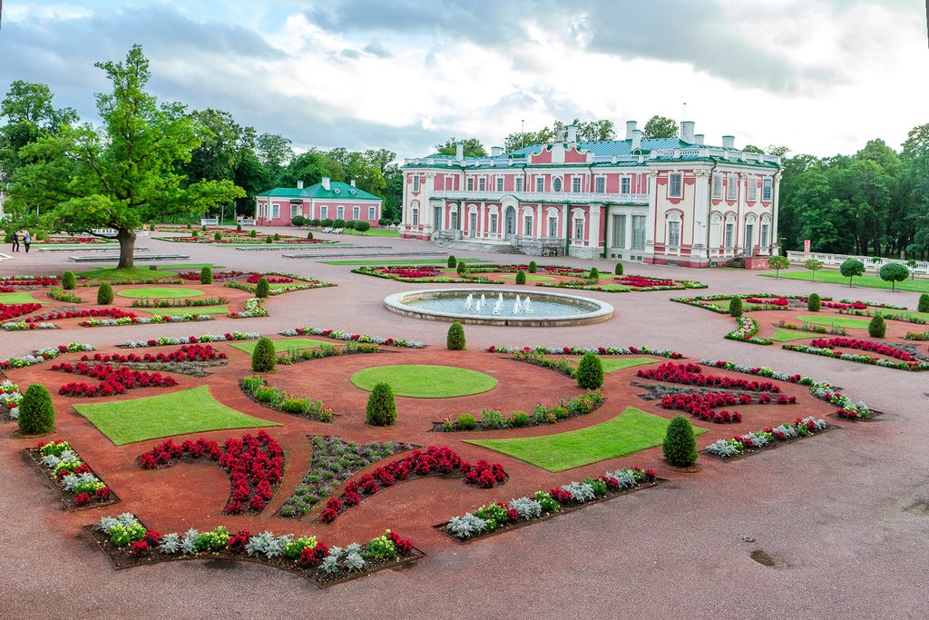 Kadriorg Park and Catherine's Palace