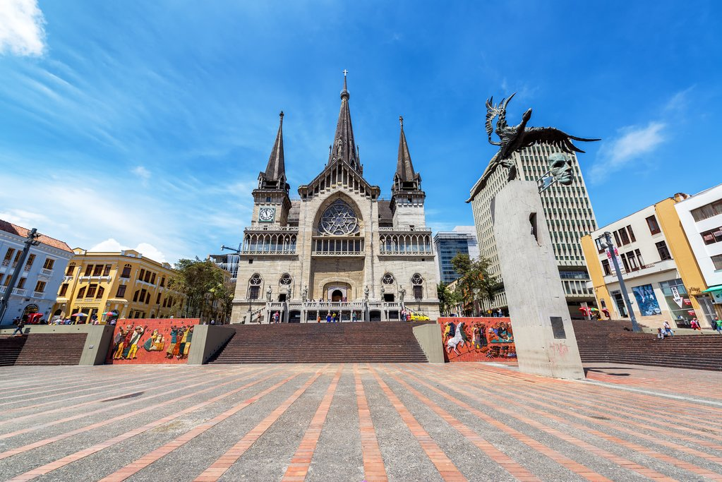 Cathedral Basilica of Our Lady of Rosary, Plaza Bolívar, Manizales