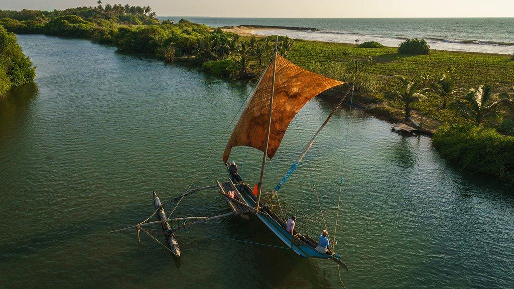 Catamaran in Ginoya