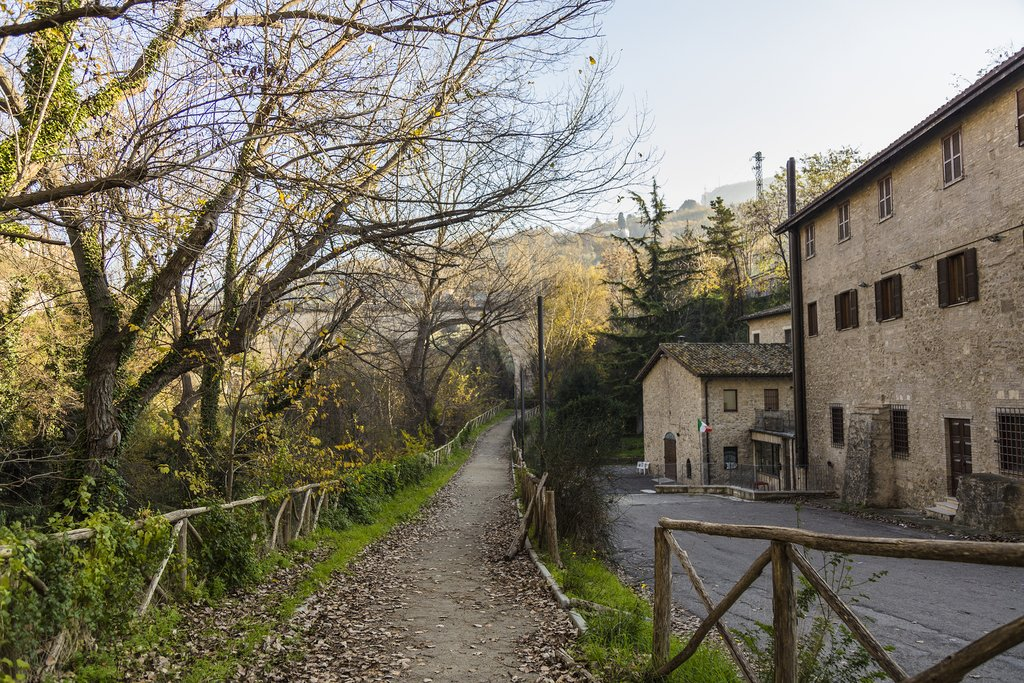 One of the many idyllic walking routes around Ascoli Piceno.