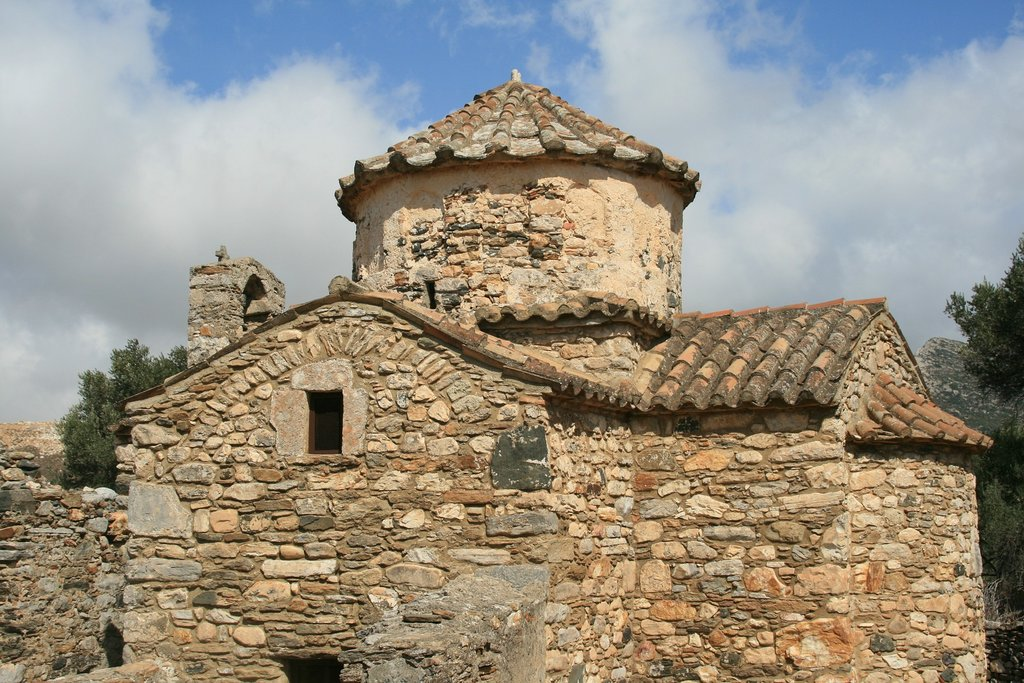 Historic architecture in Paros (Photo courtesy of Pixabay)
