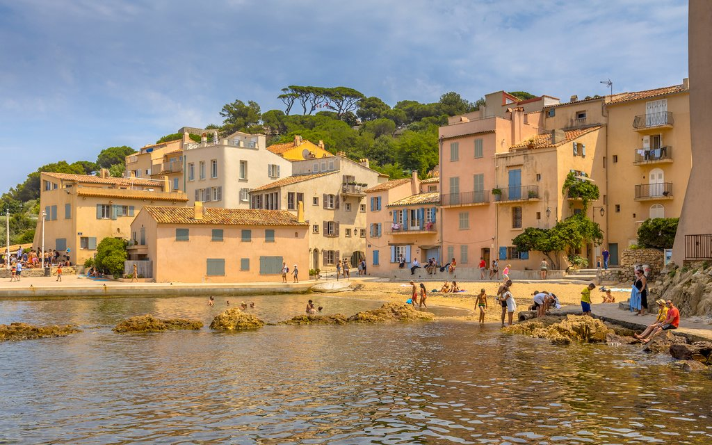 How to Get from Nice to Saint-Tropez