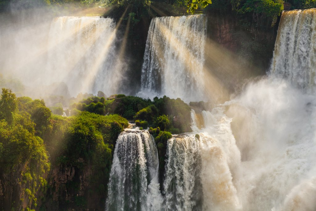 A view of some of the waterfalls that make up Iguazú National Park
