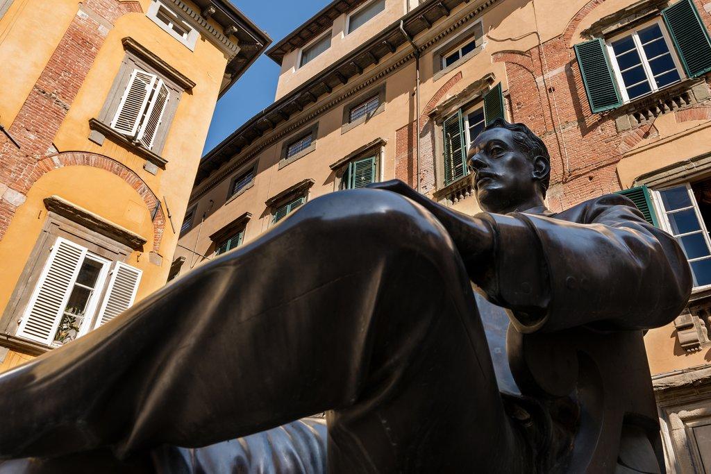 Bronze statue of composer Giacomo Puccini